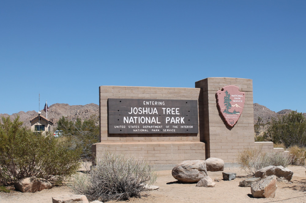 Wandelen in Joshua Tree National Park - Hidden Valley Trail - ingang Joshua Tree