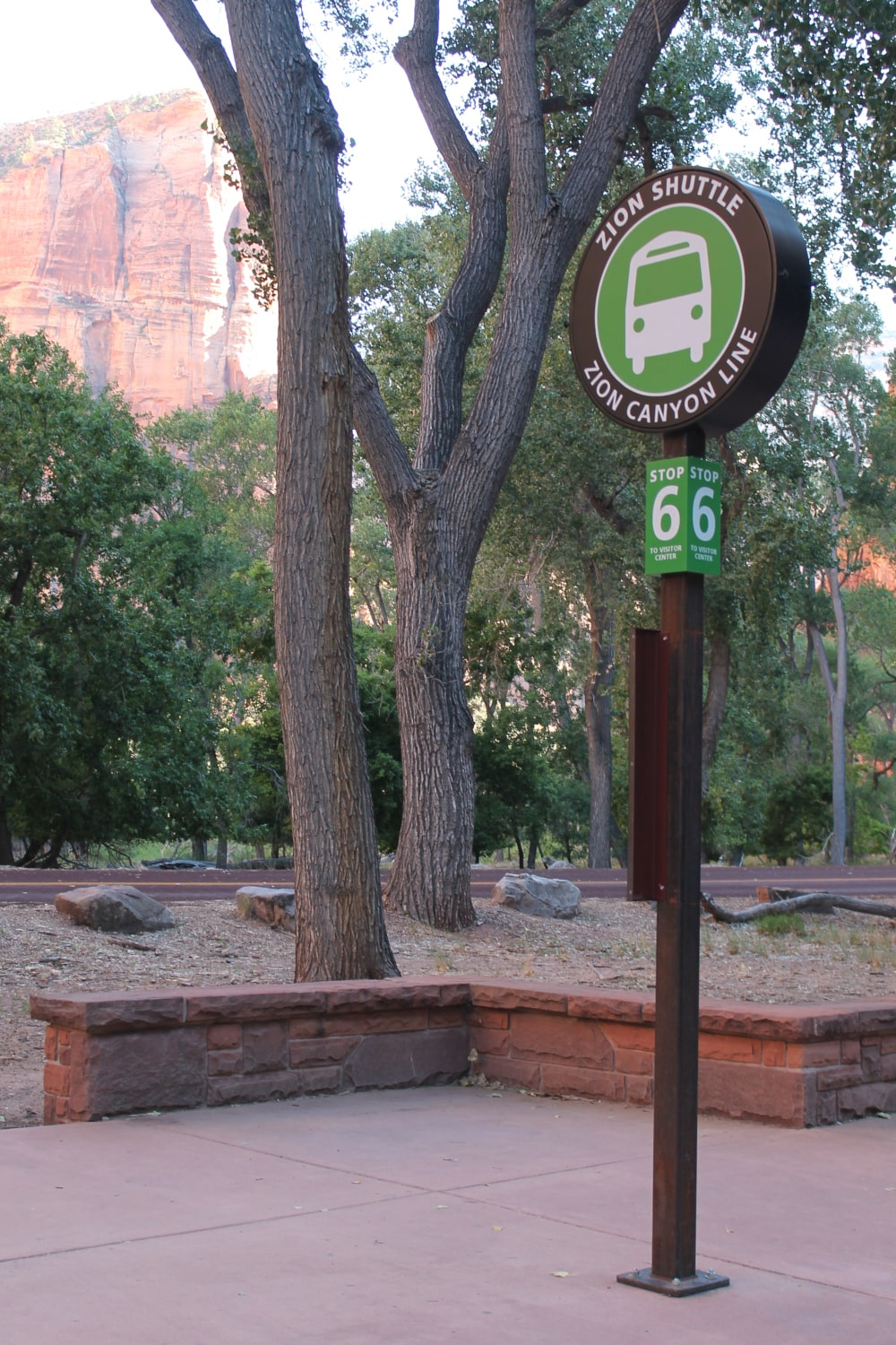Shuttlebus stop in Zion