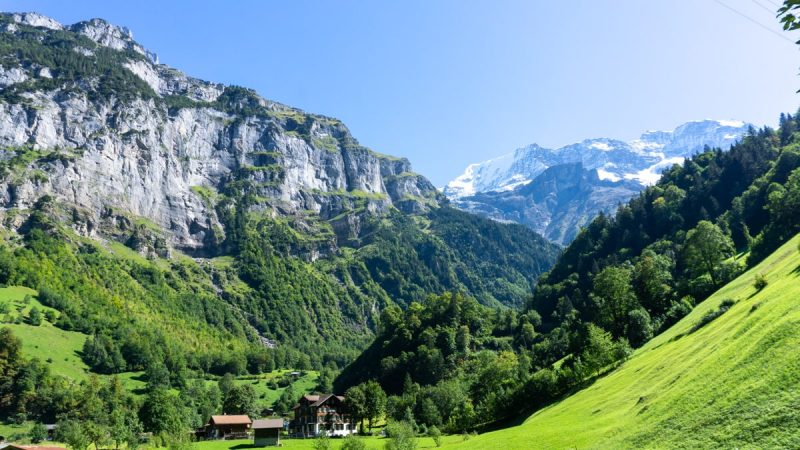 Hiking in Lauterbrunnen | Switzerland at its best