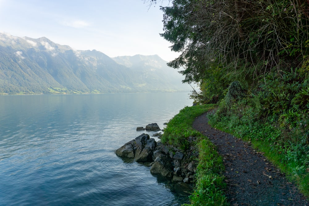 Hiking along the Brienzersee.