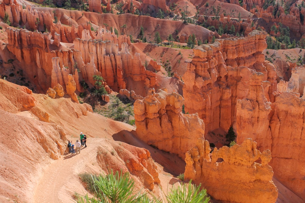 Queens Garden and Navajo Loop Trail - Bryce Canyon National Park